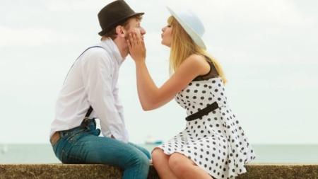 Bir erkeği kendinize aşık etmenin 20 yolu