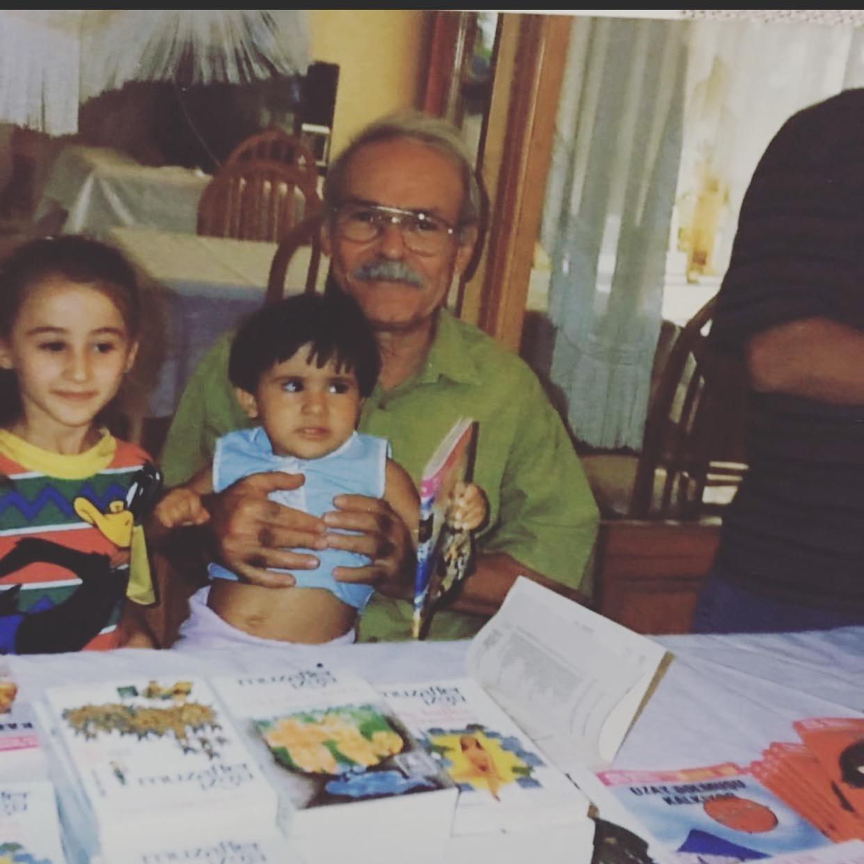 Muzaffer İzgü İzmir'de son yolculuğuna uğurlandı